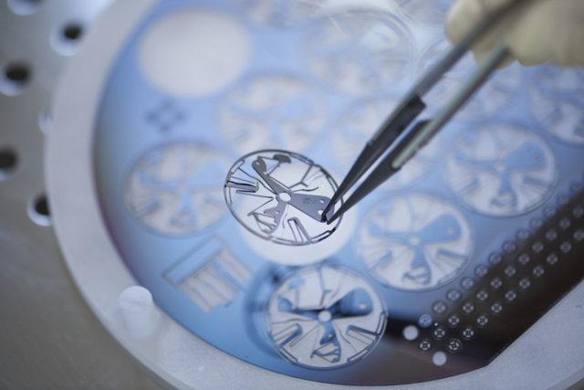 Zenith Defy Lab: Produktion Oszillator