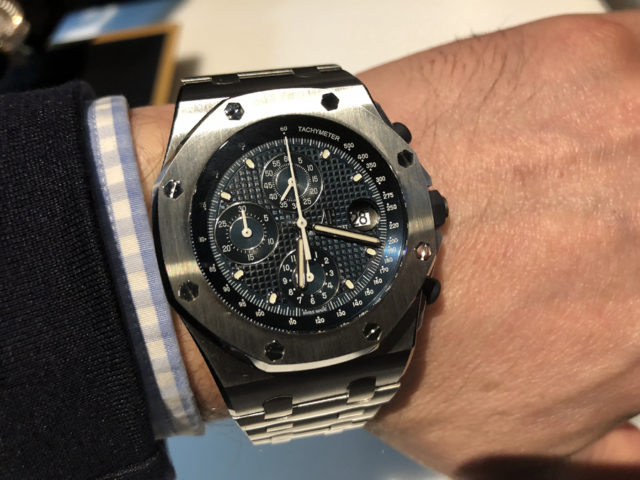 Wristshot des Royal Oak Offshore Chronograph 25th Anniversary von Audemars Piguet
