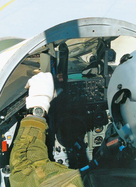 Bundeswehrpilot mit Tutima NATO Chrono