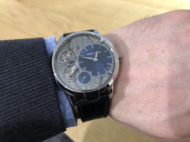 Wristshot der Armin Strom Pure Resonance