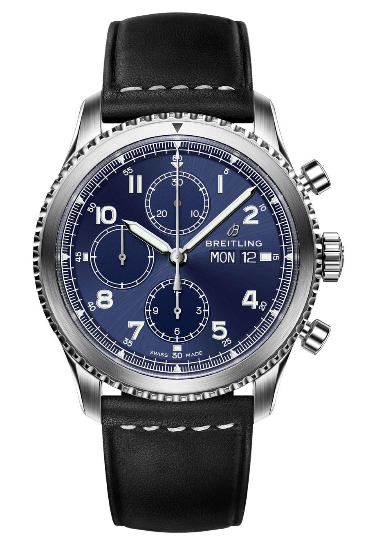 Breitling Navitimer 8 Chronograph mit blauem Zifferblatt und Lederband