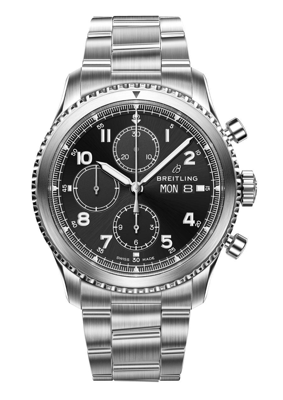 Breitling Navitimer 8 Chronograph mit schwarzem Zifferblatt und Stahlband