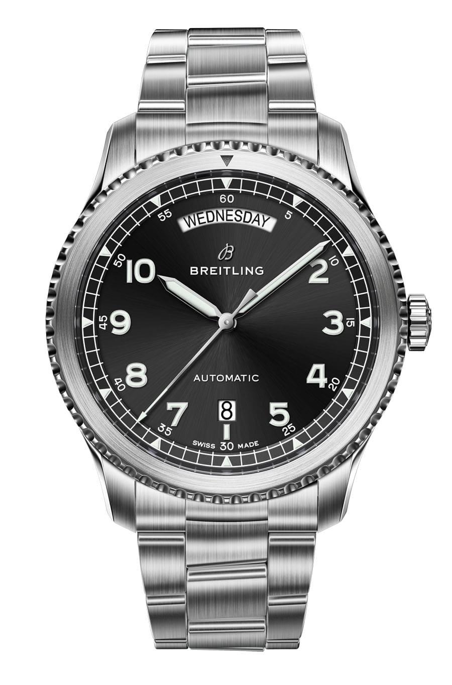 Breitling Navitimer 8 Day & Date mit schwarzem Zifferblatt und Stahlband
