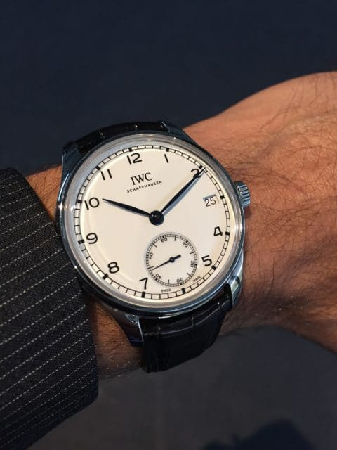 "Livebild: So sieht die IWC Portugieser Hand-Wound Eight Days Edition ""150 Years"" am Handgelenk aus"