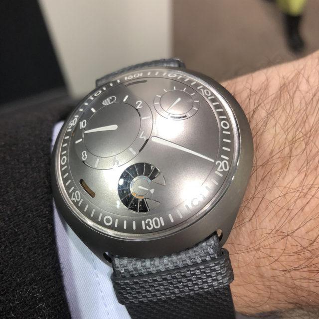 Wristshot: So liegt die Type 2 e-Crown von Ressence am Handgelenk