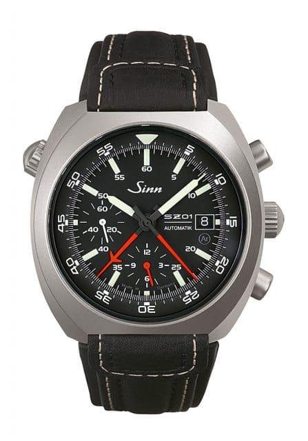 Der Weltraumchronograph 140 St von Sinn Spezialuhren kostet 3.750 Euro am Lederband.