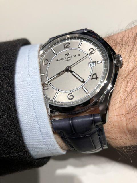 Wristshot der Fiftysix Automatik in Stahl von Vacheron Constantin
