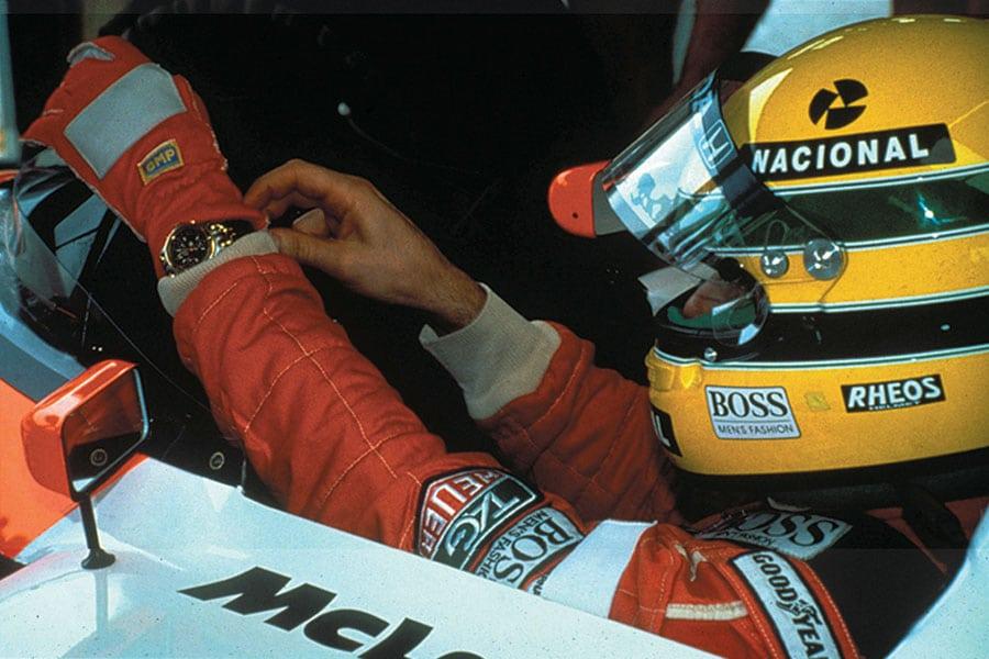 Ayrton Sennas Overall mit TAG-Heuer-Logo
