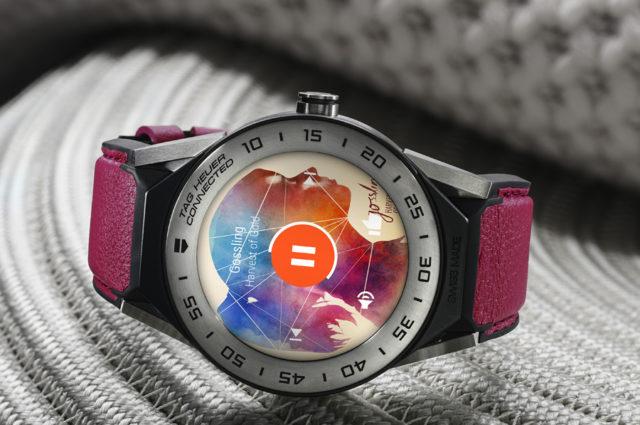 Neue Farben: Die TAG Heuer Connected Modular 41 gibt es auch mit einem pinkfarbenen Lederband. Preis: 1.150 Euro