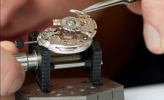Lehmann Schramberg: Montage eines Uhrwerks Slider