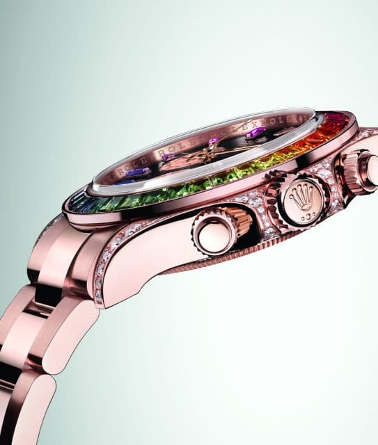 Die Diamanten liegen um die Krone der Rolex Oyster Perpetual Cosmograph Daytona.