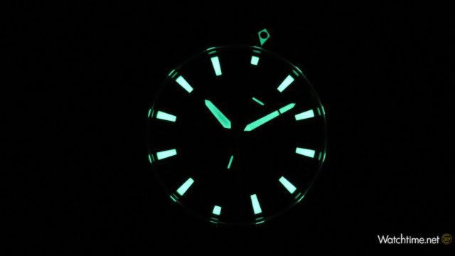 Der R5-Chrono von Rüschenbeck strahlt bei Dunkelheit wie ein Leuchtturm.