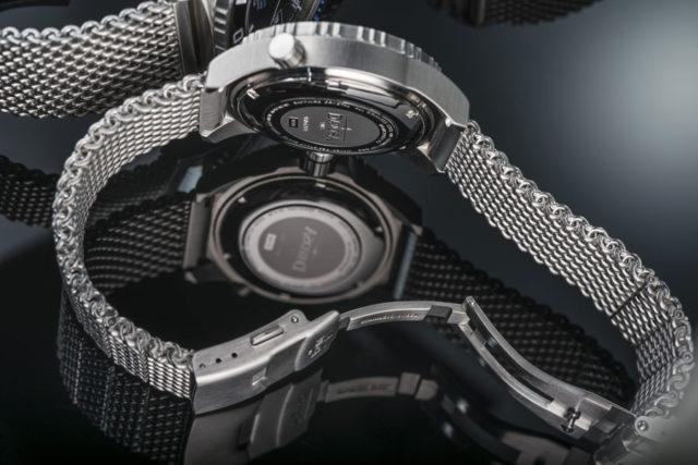 Schlichte Verarbeitung: Das Milanaiseband der Davosa Argonautic Lumis Colour ist einfach verstiftet und besitzt eine Blechschließe