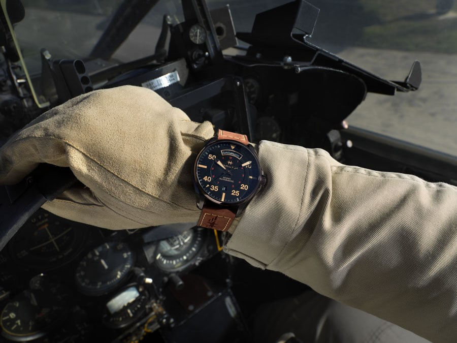 Hamilton: Khaki Pilot Auto Day Date mit brandybraunem Lederarmband