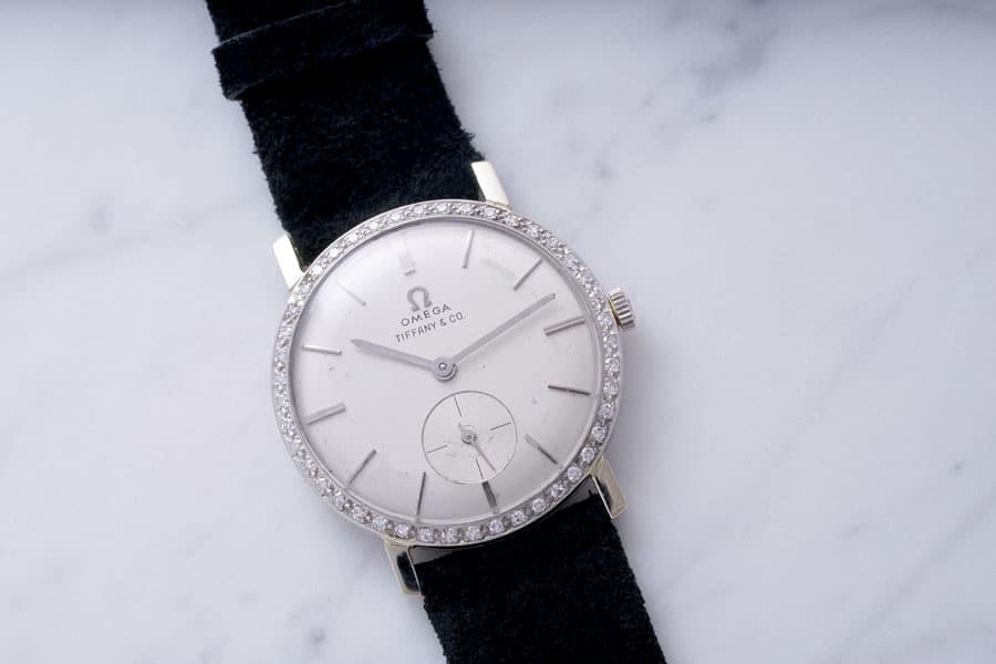 Aus Weißgold und mit 44 Diamanten besetzt: Die Omega-Uhr von Elvis Presley wurde für 1.812.500 Schweizer Franken versteigert. Foto: Phillips