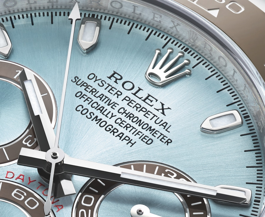 Der Schriftzug Superlative Chronometer auf einer Rolex Oyster Perpetual Cosmograph Daytona.