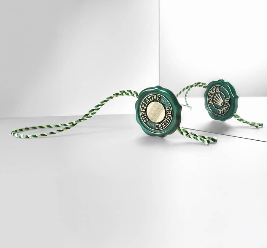 Das grüne Rolex-Siegel weist die Uhr als Suoerlative Chronometer aus.