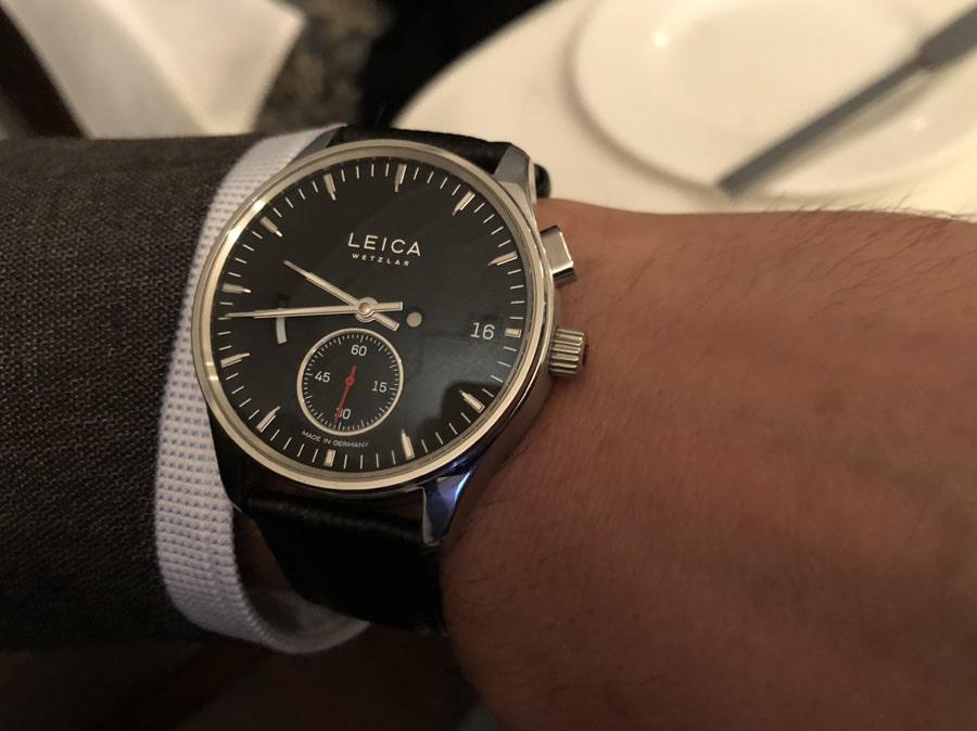 So sieht die Leica L1 am Handgelenk aus