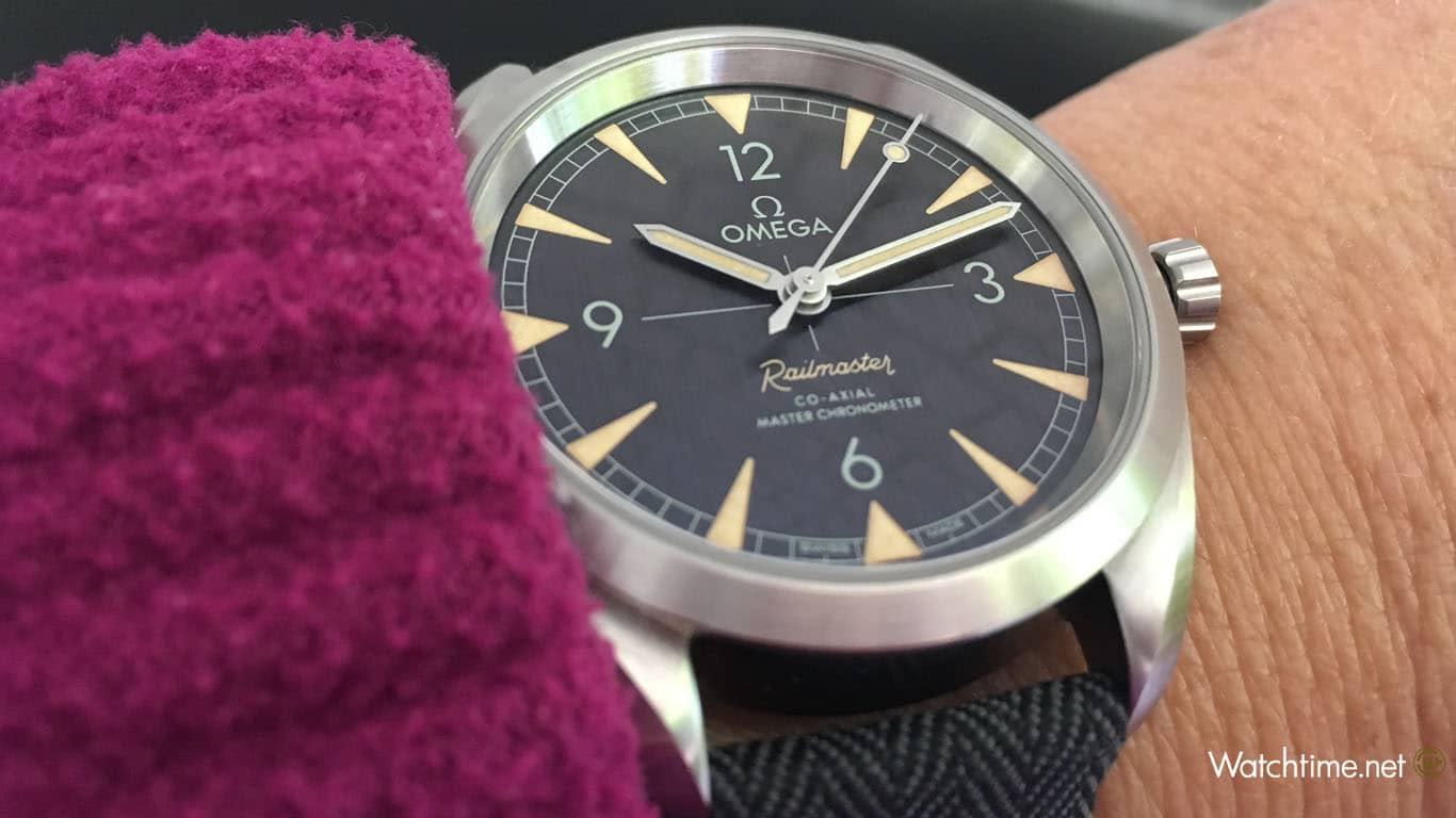 Omega: Seamaster Railmaster Co-Axial Master Chronometer am Handgelenk