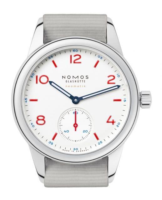 Auch die Club Neomatik von Nomos Glashütte gibt es in Signalweiß