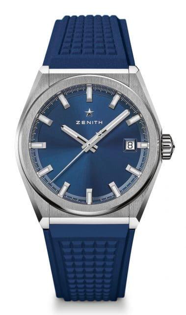 Zenith: Defy Classic mit blauem Zifferblatt mit Sonnenschliff und blauem Naturkautschukband