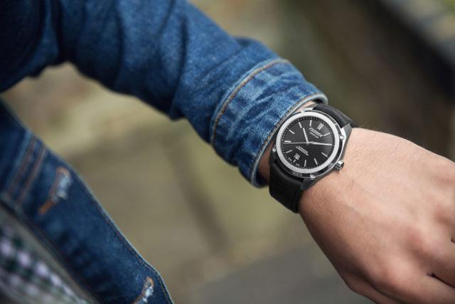 Formex: Essence Automatic Chronometer Black