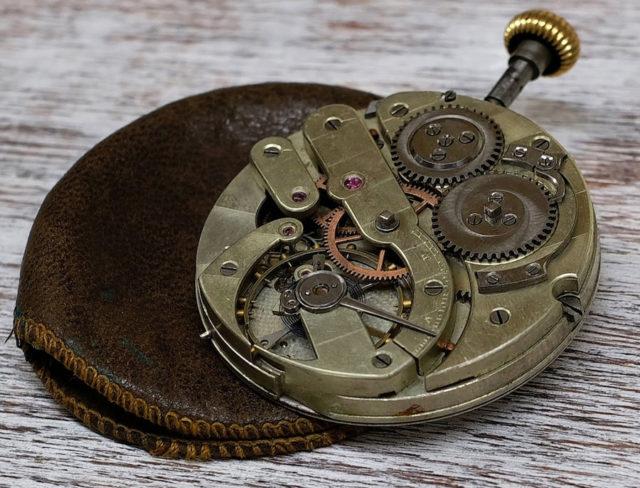 Das Maß der Linie für den Durchmesser eines Uhrwerks führten die Schweizer Taschenuhr-Hersteller ein