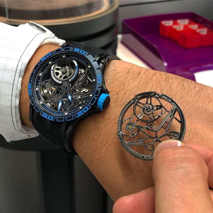 Chronos-Leserreise Genf 2018: Roger Dubuis Excalibur Spider Pirelli, Skelettplatine und fertige Uhr