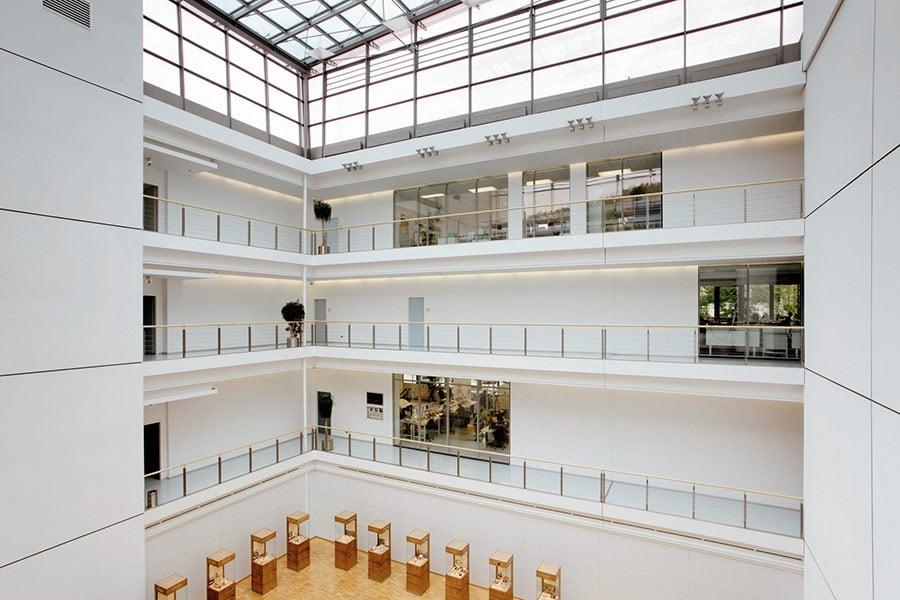 Glashütte Original ganz original: Atrium der Manufaktur