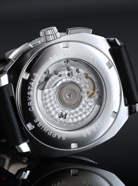 Verziertes Uhrwerk: In der Taucheruhr tickt das Automatikwerk Eta 2894