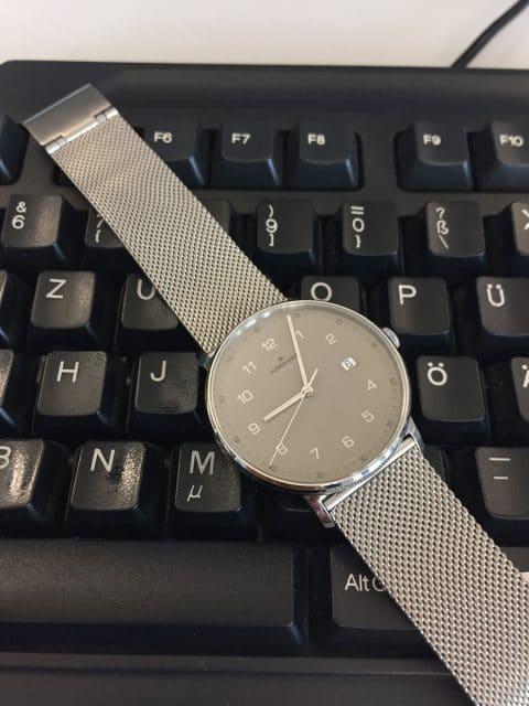 Armband und Schließe der Form A sind einfache Standardbauteile