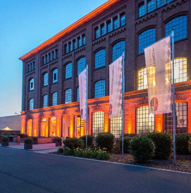 Stilvolle Location: die Frankfurter Klassikstadt. Sie dient als Luxusgarage für Classic Cars und als Veranstaltungsort.