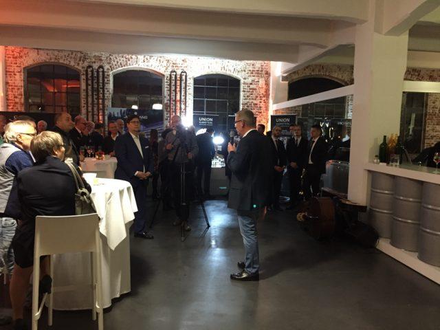 Jens Gerlach, Verlagsleiter des Uhrenmedien des Ebnerverlags, begrüßte die Besucher.