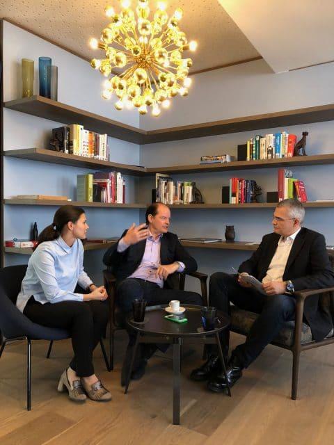 Interview: Rüdiger Bucher mit Dr. Judith Meyer und Klaus-Dieter Koch von BrandTrust in ihrem Nürnberger Büro