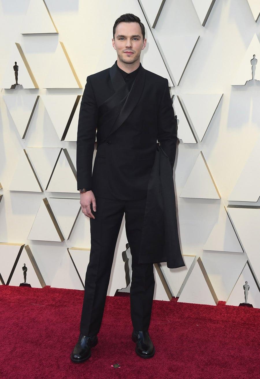Der britische Film- und Theaterschauspieler Nicholas Hoult wurde mit einer Jaeger-LeCoultre  Reverso auf dem roten Teppich gesichtet