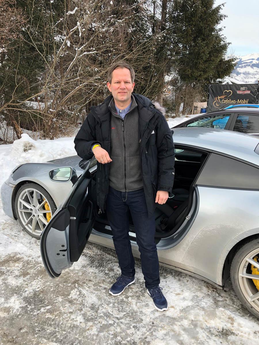 Redakteur Jens Koch testete den Porsche-Design-Chronographen und fuhr den neuen Porsche 911 (992)