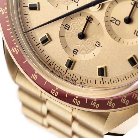 Detail-Aufnahme des Zifferblatt der Omega Speedmaster Apollo 11 50th Anniversary Limited Edition