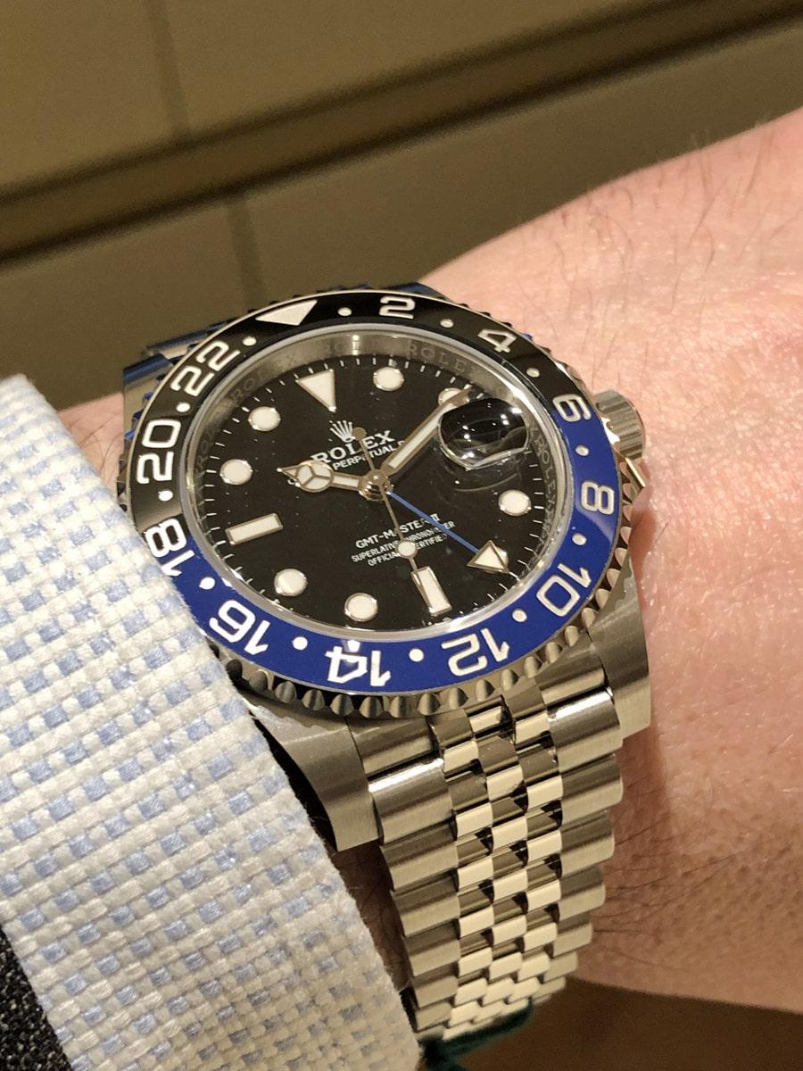 Wristshot der neuen  Rolex Oyster Perpetual GMT-Master II 'Batman'