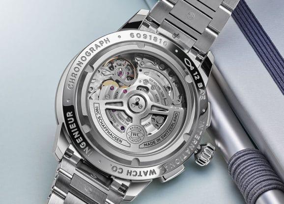IWC: Chronographen-Manufakturkaliber 69375 - Durchmesser 30,0 mm/7,9 mm hoch, 28.800 A/h, 46 Stunden Gangautonomie, hier im Ingenieur Chronograph Classic