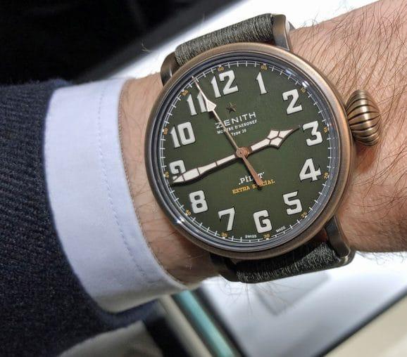 Wristshot der Zenith Pilot Type 20 Extra Special Adventure