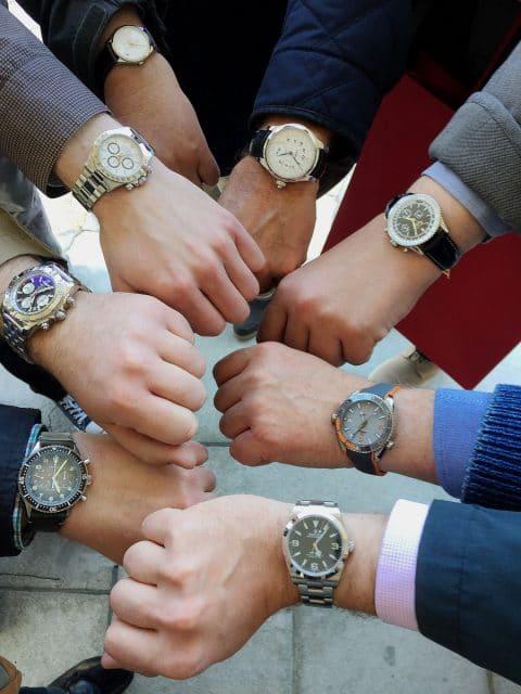 Chronos-Leserreise Jura 2019: Viele Teilnehmer kamen mit Uhren der zu besuchenden Marken am Handgelenk