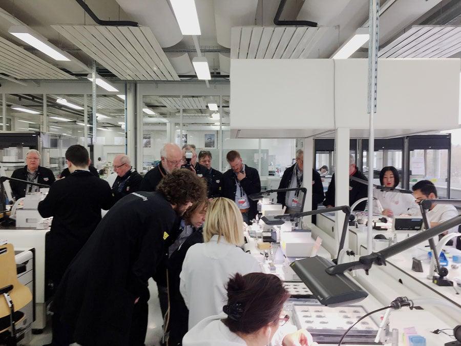 Chronos-Leserreise Jura 2019: Die Uhrenfertigung bei TAG Heuer