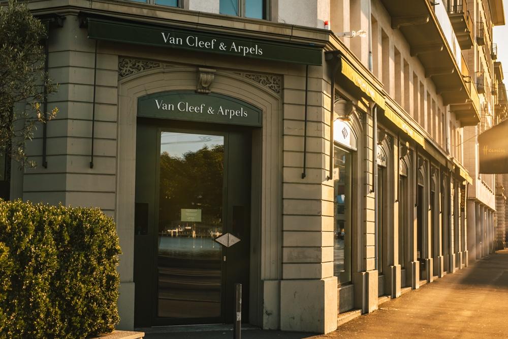 Embassy Boutique Van Cleef und Arbels Luzern Schweizerhofquai 4
