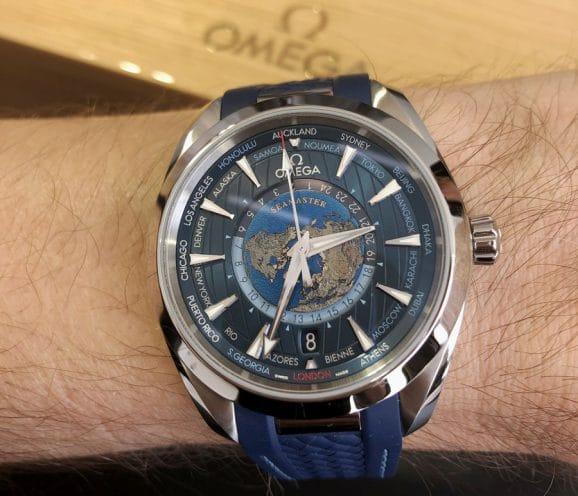 Omega: Wristshot der Seamaster Aqua Terra Worldtimer