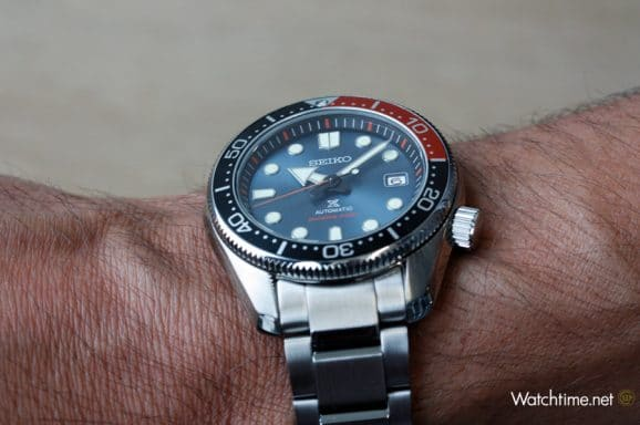 "So sieht die Seiko Prospex Automatik Diver's Limited Edition ""Twilight Blue"" (SPB097J1) am Handgelenk aus"