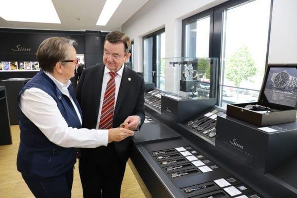 Sinn Spezialuhren, attraktiver Ausstellungsraum am neuen Firmensitz in Sossenheim