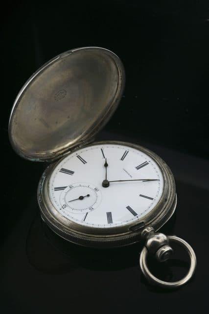 Älteste Longines-Uhr Deutschlands: Diese silberne Savonnette-Taschenuhr von 1869 gewann den Wettbewerb mit geringem Vorsprung