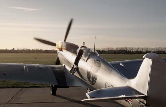 Berühmter britischer Jagdflieger aus dem Zweiten Weltkrieg: Die Spitfire.