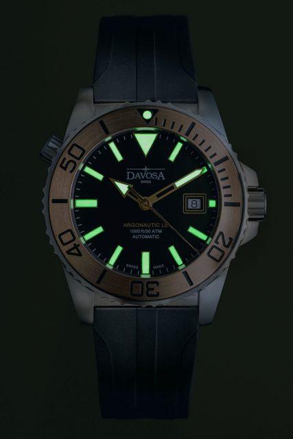 Davosa: Argonautic Bronze TT Limited Edition bei Nacht