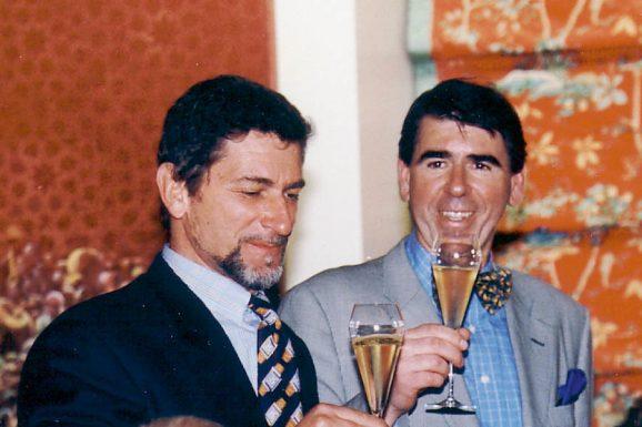 Das Uhrenrevival der 1980er-Jahre: Gisbert L. Brunner (rechts) 1990 mit Günter Blümlein